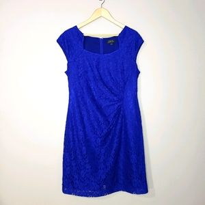 Tahari Blue Lace Sleeveless Lined Size 14 Dress